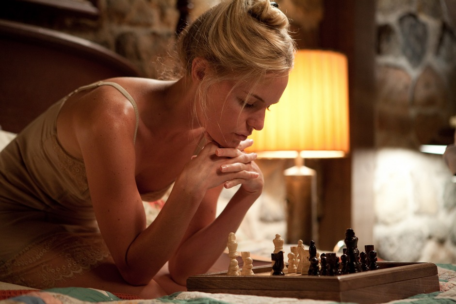 kate-bosworth-sexy-chess-straw-dogs